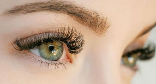 Los mejores tratamientos para cejas y pestañas